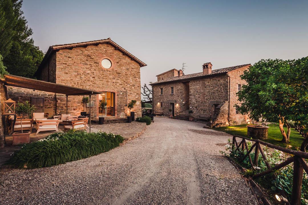 Nikis-best wedding location in Umbria Italy